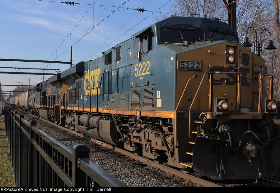 CSX 5222 leads Q404